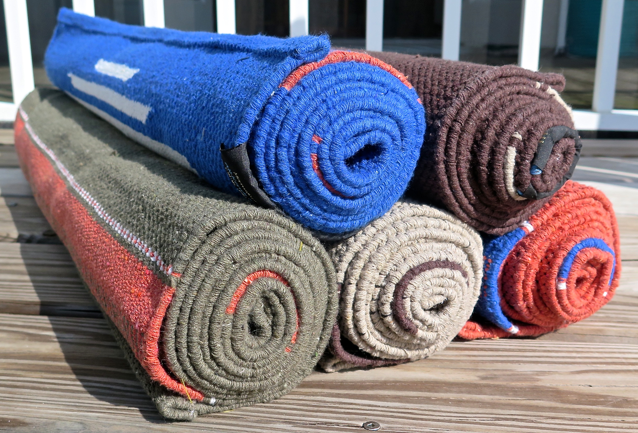 Looking for an alternative to your traditional yoga mat? Check out these yoga rugs from India!